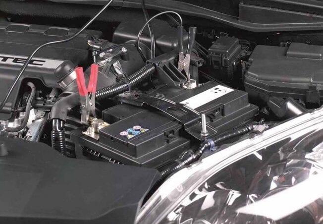 Cargar bateria coche pinzas diesel gasolina