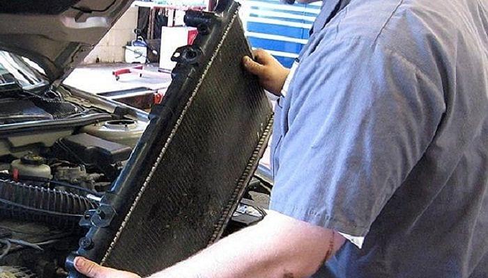 Como reparar radiador de coche