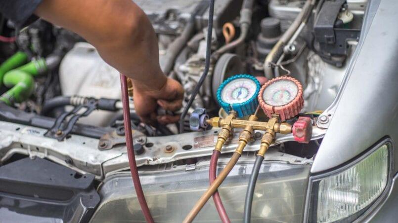 Cuanto cuesta reparar fuga aire acondicionado coche