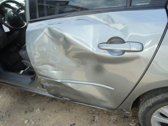 Cuanto cuesta reparar un golpe en el coche
