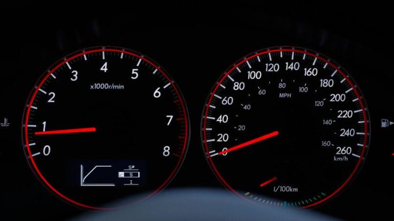 Cuanto gasta un coche de gasolina en 100 km
