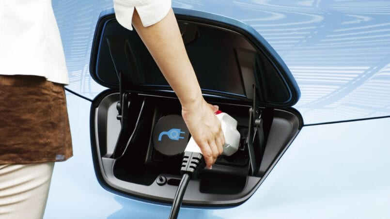 Cuanto tarda un coche electrico en cargarse