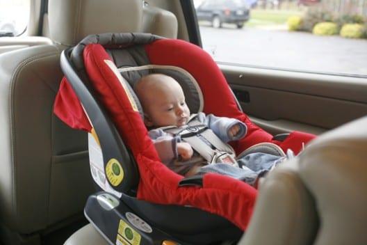 Donde poner sillita de bebe en el coche