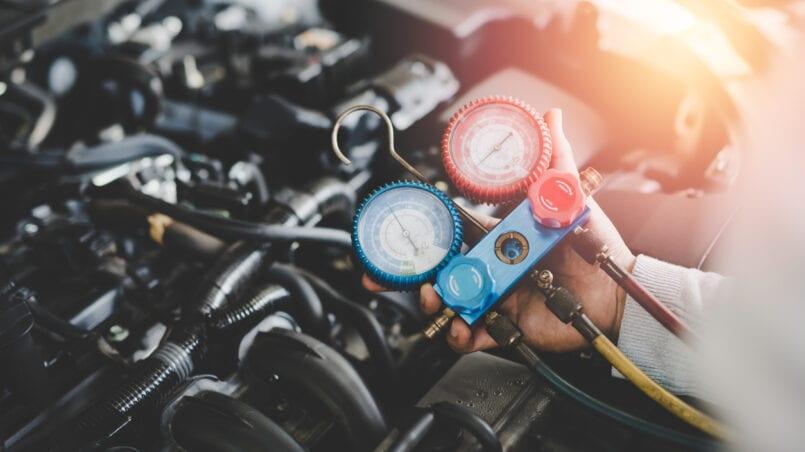 Fuga condensador aire acondicionado coche