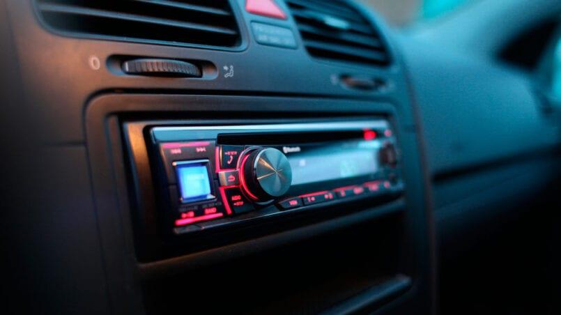 Hacer equipo de musica con radio de coche