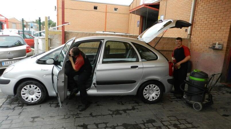 Lavar coche alcala de henares