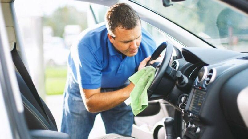 Limpiar carroceria coche con amoniaco