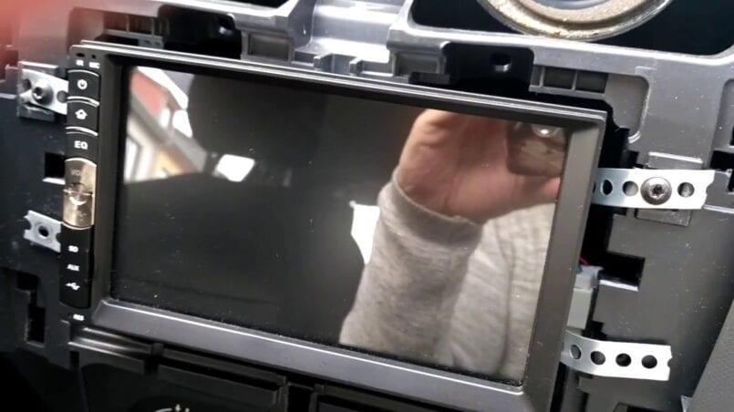 Marco de metal para radio de coche