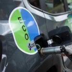 Como sacar gasolina de un coche sin manguera