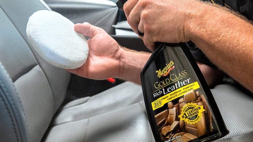 Productos para limpiar el cuero del coche