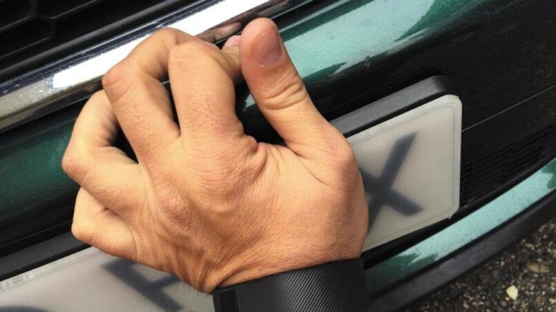 Se puede cambiar la matricula de un coche