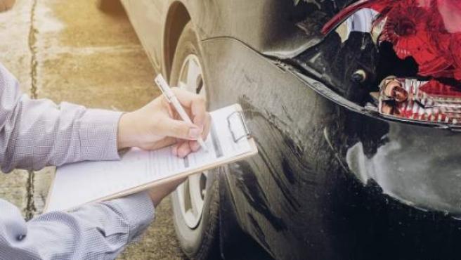 Se puede llevar fotocopias de la documentacion del coche
