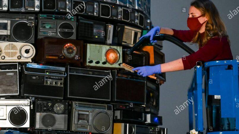 Como sintonizar vaughan radio en el auto