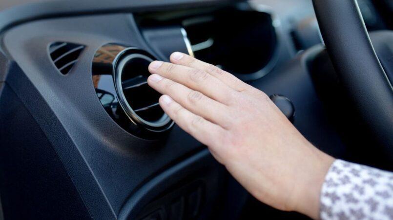 Ruido al encender aire acondicionado coche