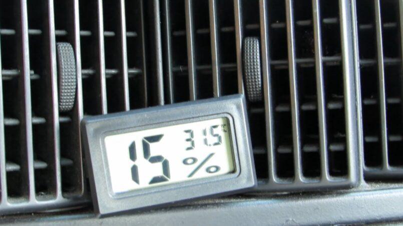 Se puede poner climatizador a un coche con aire acondicionado