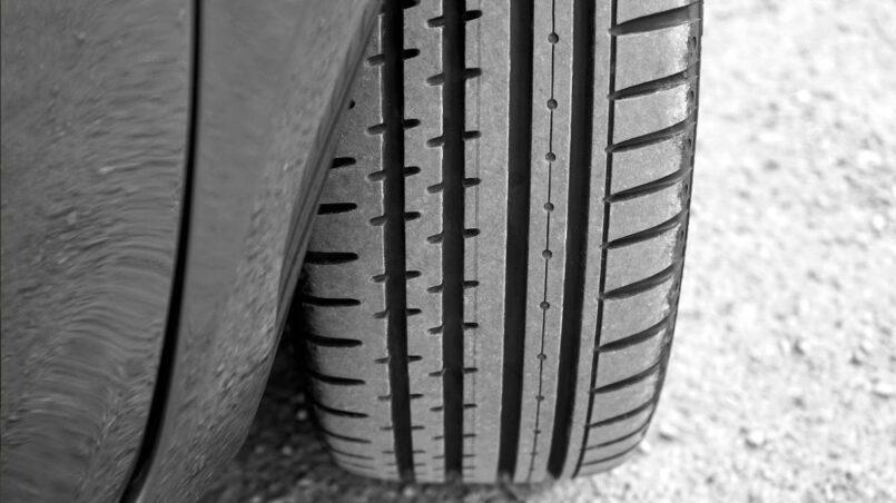 Donde poner las ruedas nuevas en un carro