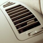 Aire acondicionado carro huele mal